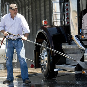 Fleet Washing and Mobile Truck Washing Services